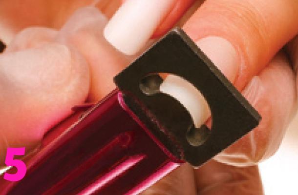 Saiba como aplicar e cuidar de suas unhas postiças