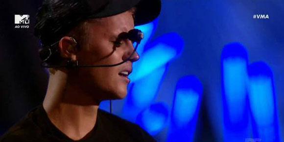 Onde estava Selena Gomez durante performance do Justin Bieber no VMA?