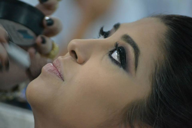 Contorno: saiba o que é essa técnica de maquiagem e como fazer
