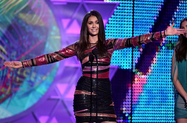 Nina Dobrev se despede de TVD no Teen Choice Awards