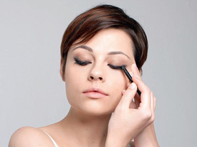Aprenda a fazer olho esfumado