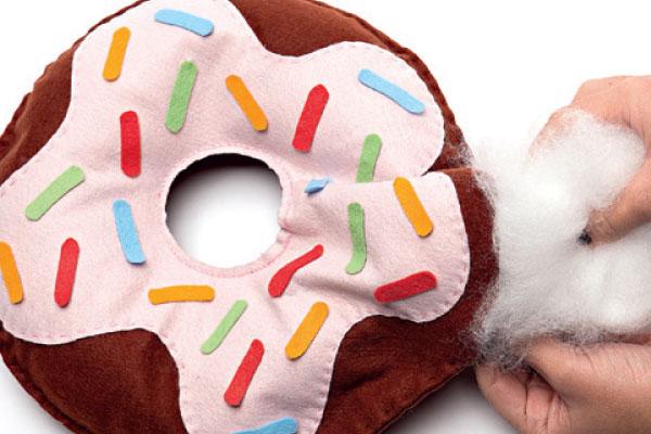 Tutorial: Aprenda a fazer uma almofada de donut