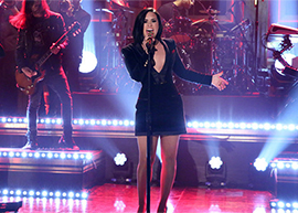 "Demi Lovato se apresenta no ""The Tonight Show"""