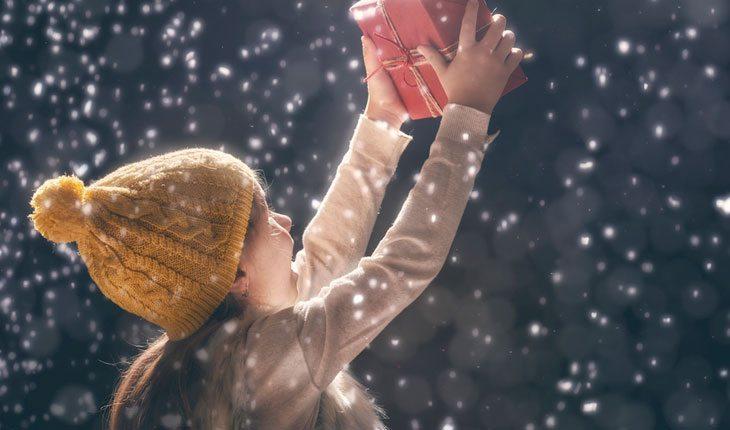 Ajudar o próximo adotando uma cartinha de natal