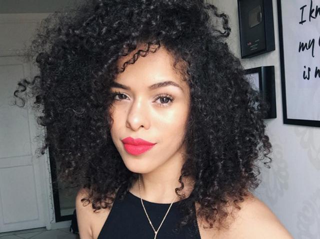 Descubra como a Rayza Nicácio começou seu canal no YouTube