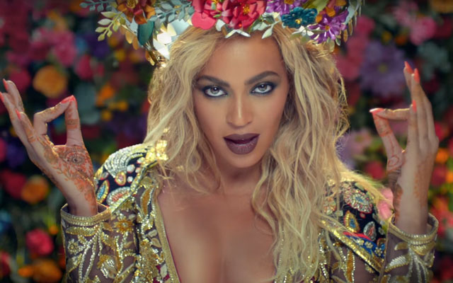 Beyoncé está maravilhosa em novo clipe com Coldplay!