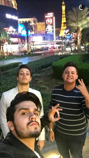Luan Santana curte Las Vegas com amigos