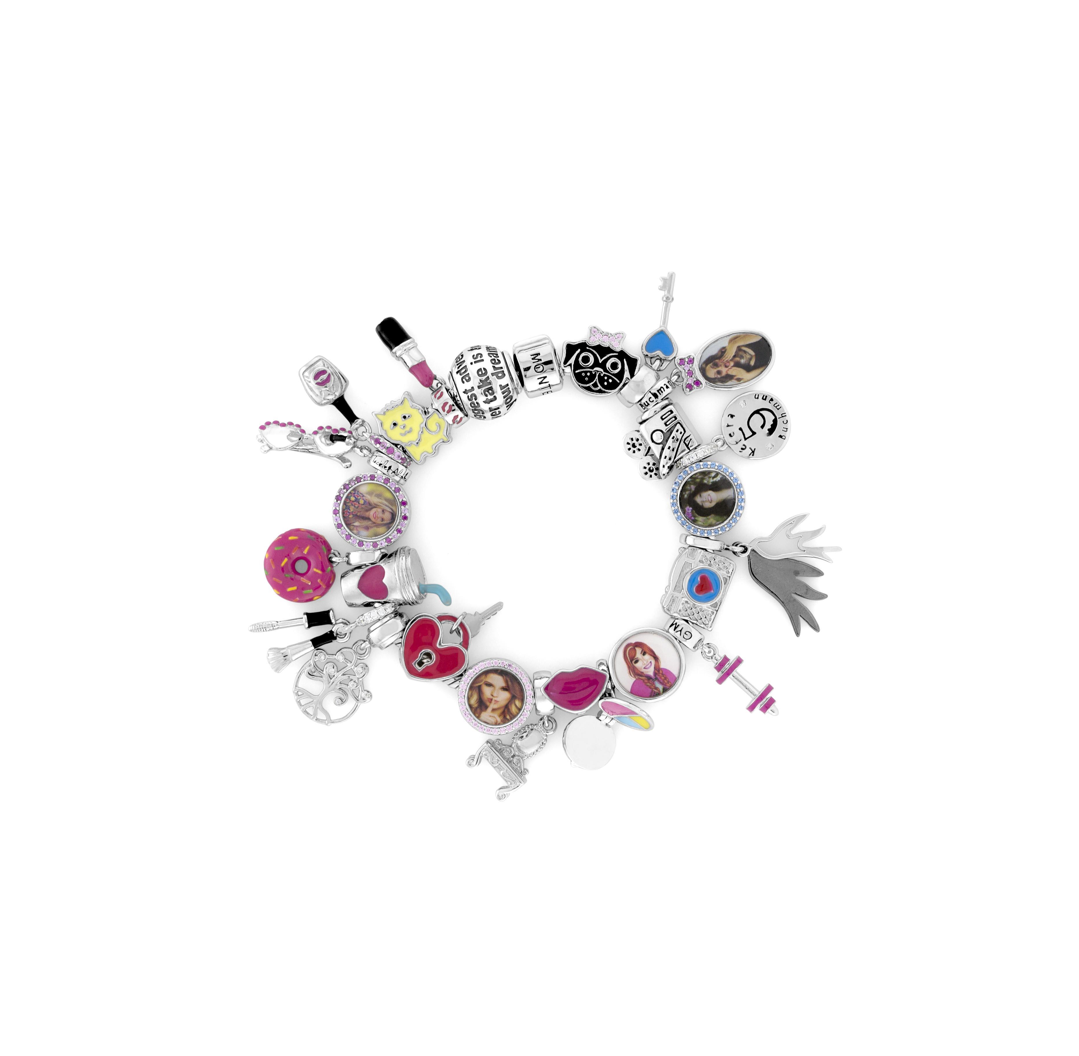 Agora você pode ter uma pulseira com charms das suas youtubers favoritas!