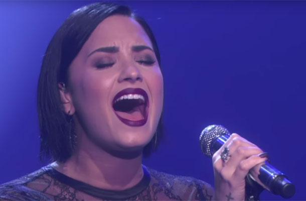 Demi Lovato canta Stone Cold