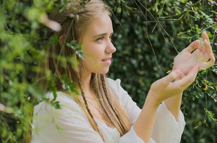 """Julia Palmeira é a estrela da peça """"15 cenas de Romeu e Julieta"""""""