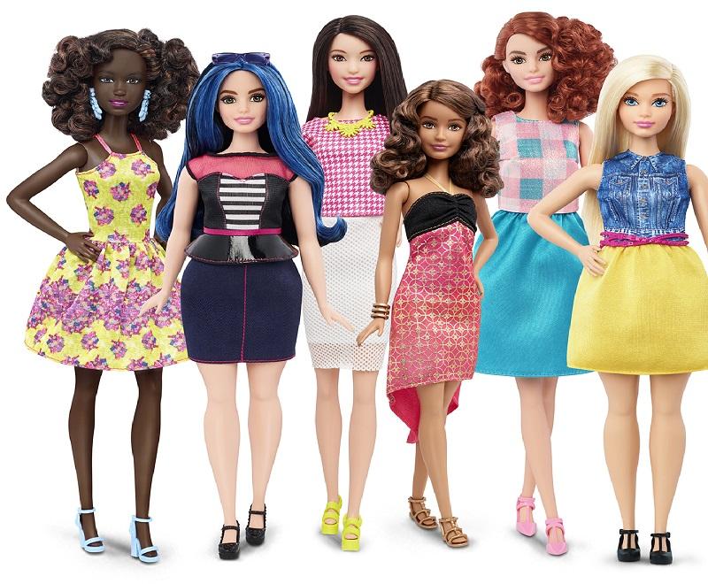 Confira a evolução fashion da boneca Barbie
