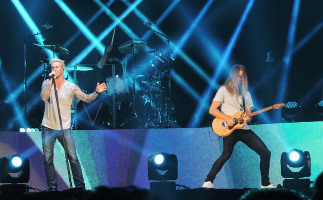 """Maroon 5 traz sucessos para São Paulo com """"V Tour"""""""