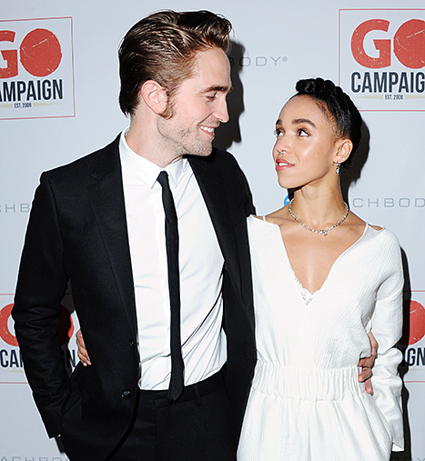 Robert Pattinson cancela casamento com FKA Twigs