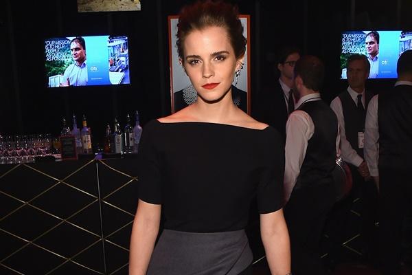 Emma Watson adere à campanha contra estupro e posta mensagem em português