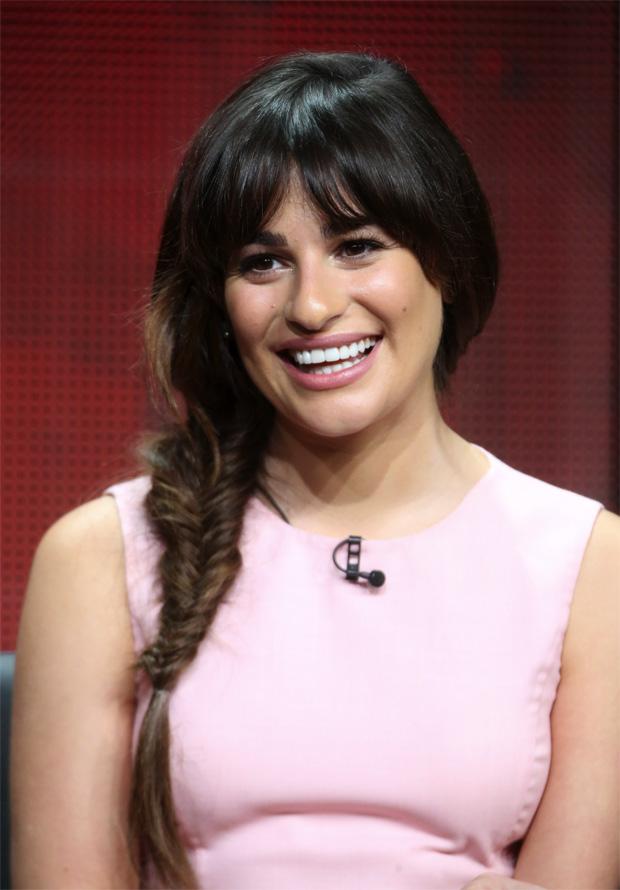 Lea Michele com trança no cabelo