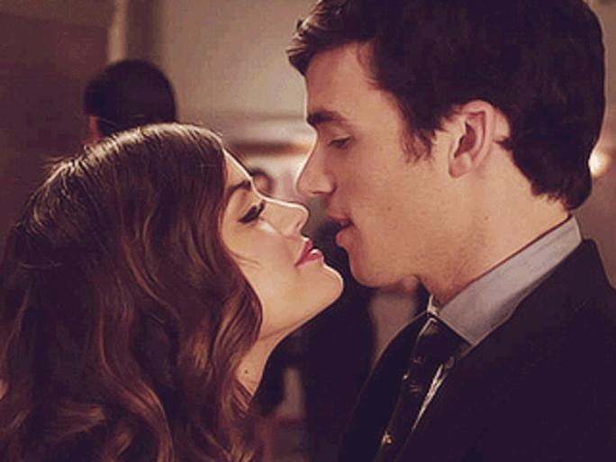 Aria e Ezra pretty little liars