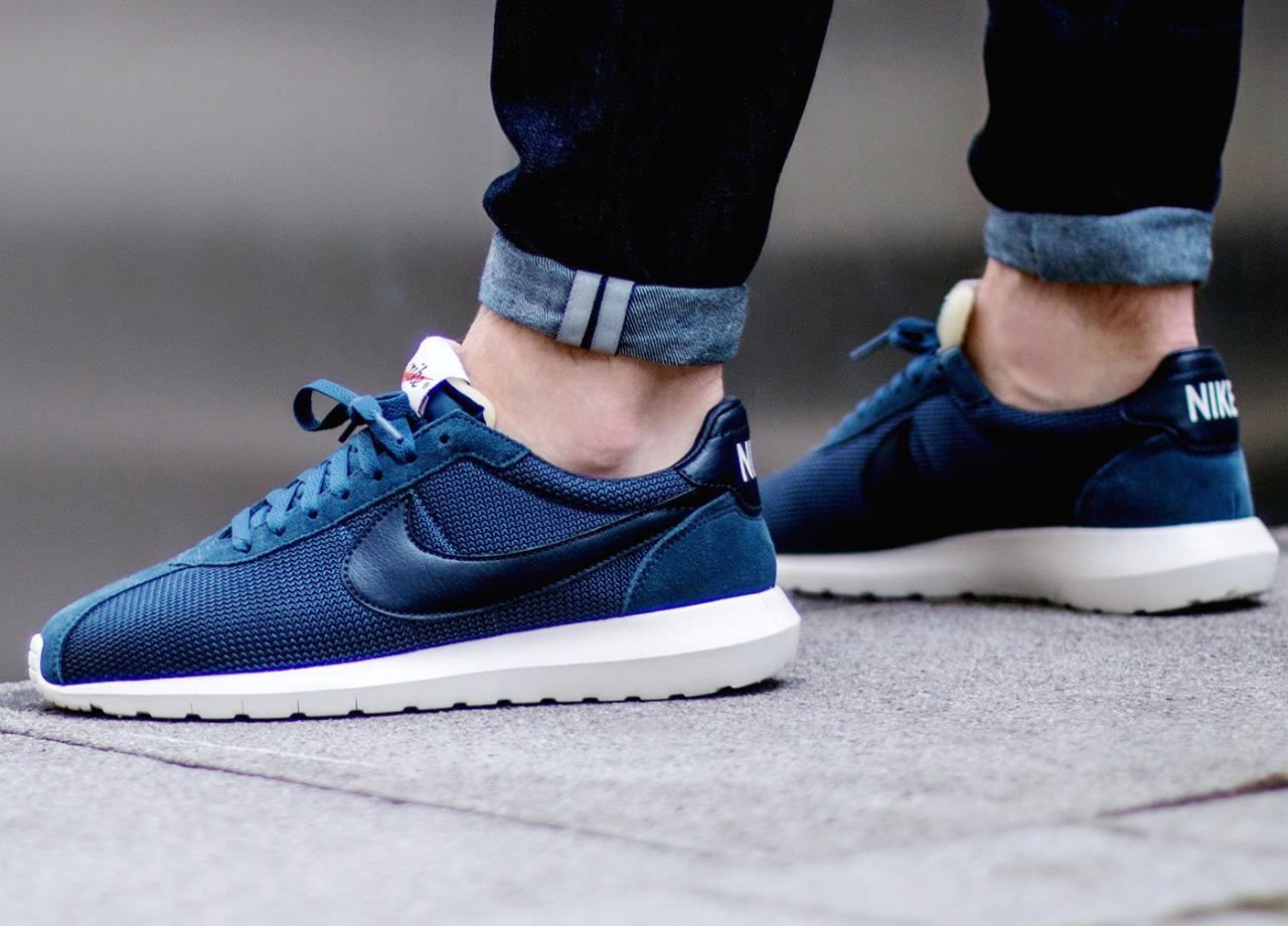 tênis de corrida nike azul