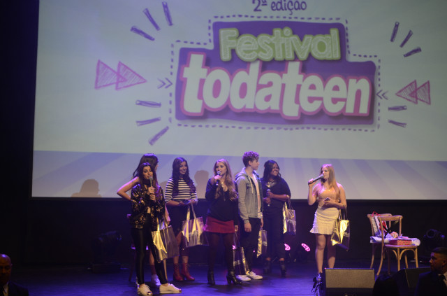 youtubers no palco festival todateen