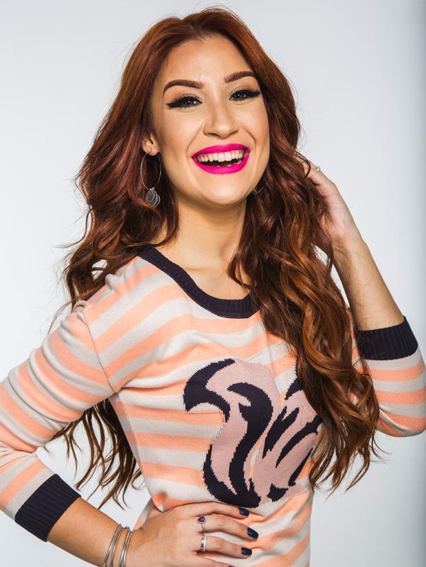 Bianca Andrade com um make com batom rosa