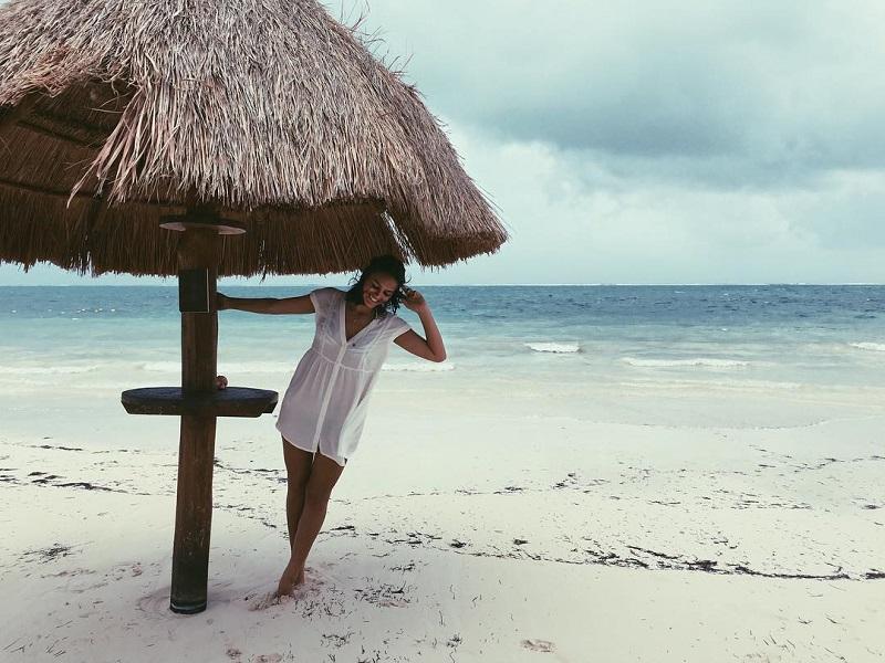 Bruna na praia