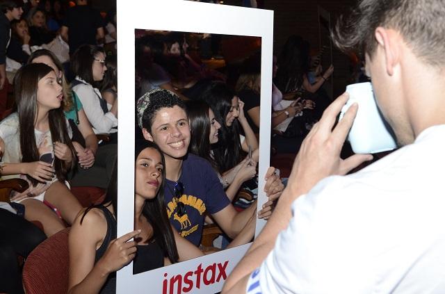selfie da instax na plateia