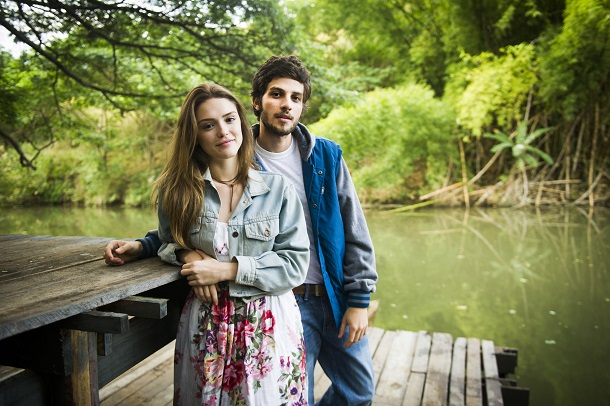 Chay Suede e Isabelle Drummond