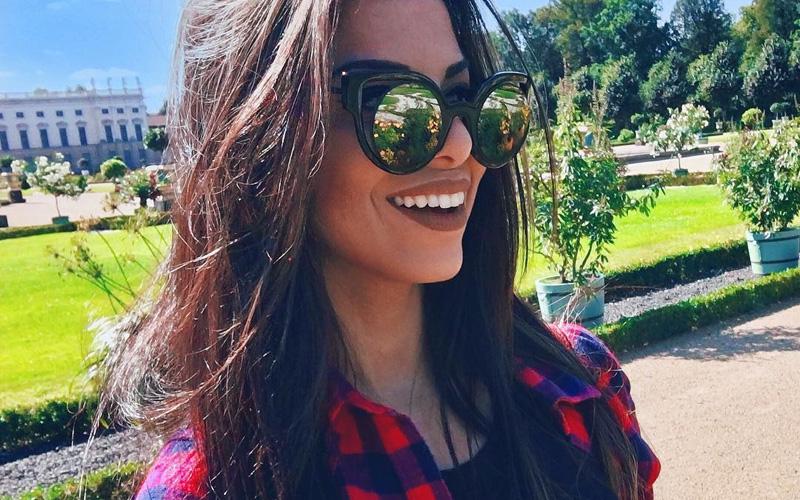 evelyn regly de óculos de sol