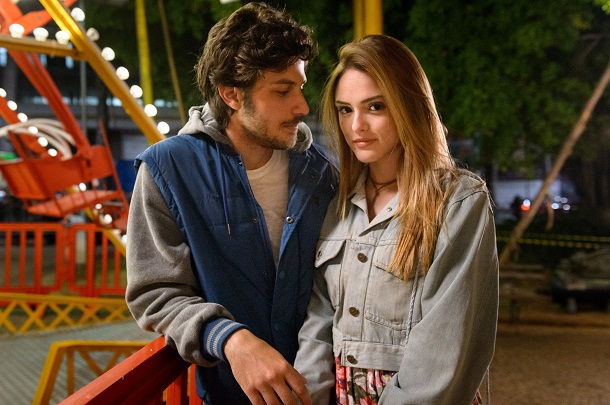 Isabelle Drummond e Chay Suede