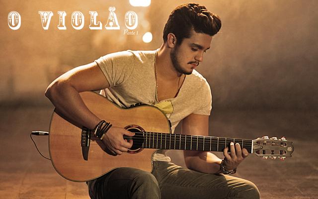 Luan Santana tocando violão