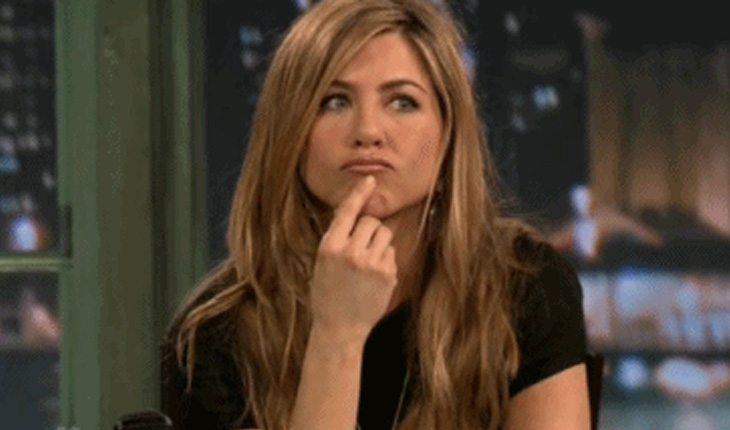 Rachel, de Friends com expressão de dúvida sobre tipos de vagina