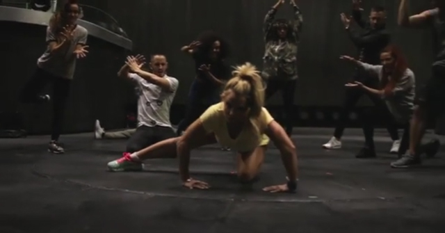 """Britney Spears em """"Desafio do Manequim"""""""