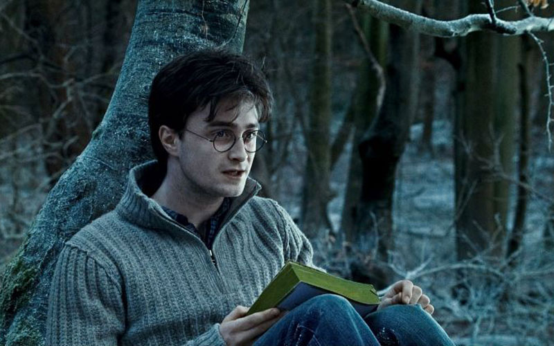 Daniel Radcliffe em cena de harry potter