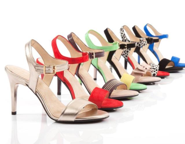 sapatos com salto removível