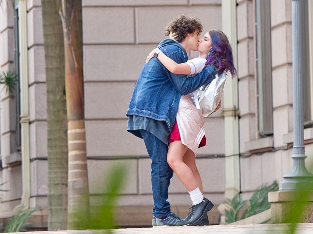 Cena de beijo do Eu Fico Loko