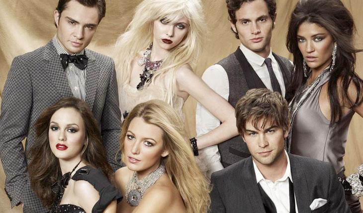 personagens de Gossip Girl em roupas de gala