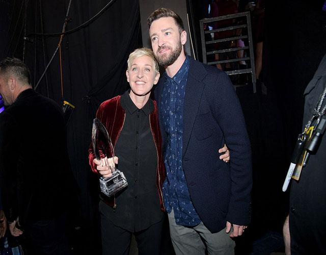 Ellen DeGeneres e Justin TImberlake no People's Choice Awards