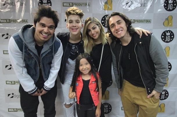 Youtubers marcam presença no show de João Guilherme
