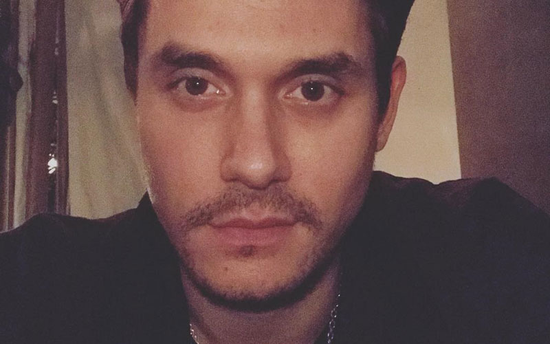john mayer em selfie