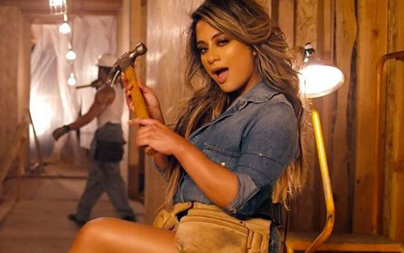 ally brooke, da fifth harmony, em work from home