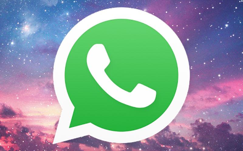 Logo do Whatsapp em um céu rosa