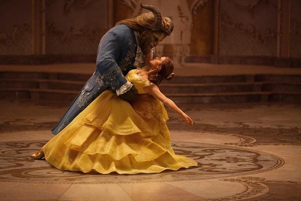 Bela dançando com a Fera