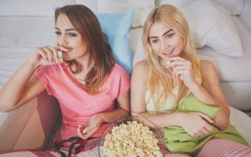 10 filmes da Netflix pra assistir com as amigas
