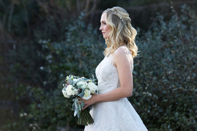 Caroline vestida de noiva em seu casamento em The Vampire Diaries