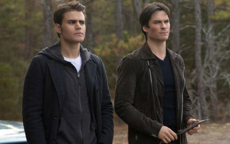 Damon e Stefan em The Vampire Diaries