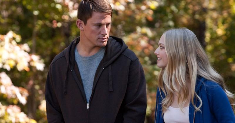 John e Savanna se olhando, do filme Querido John