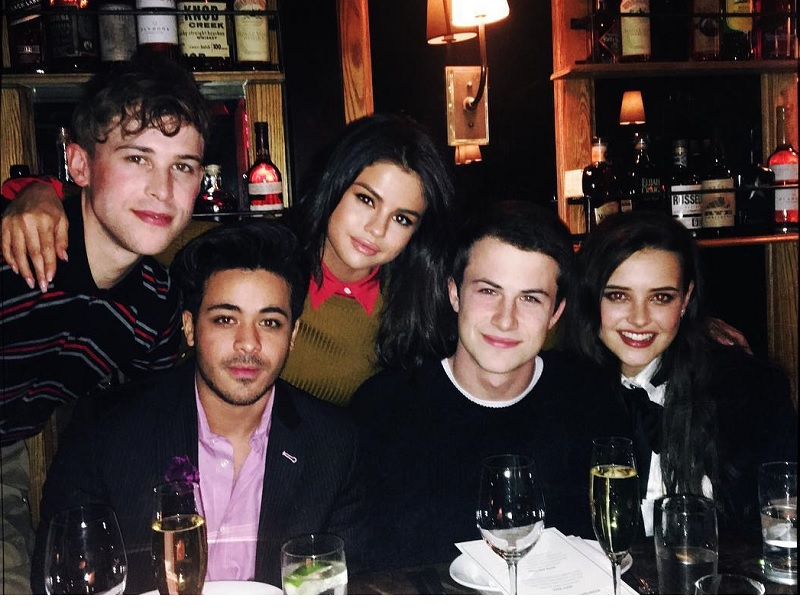 Selena Gomez e elenco de os treze porquês