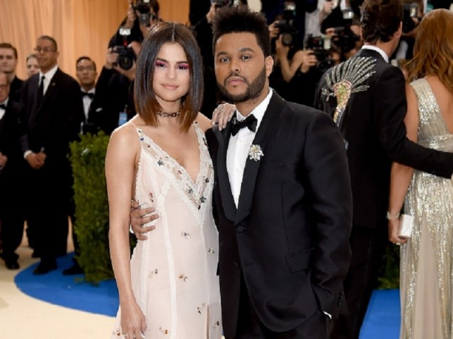 "NEW YORK, NY - MAY 01: Selena Gomez and The Weeknd attend the ""Rei Kawakubo/Comme des Garcons: Art Of The In-Between"" Costume Institute Gala at Metropolitan Museum of Art on May 1, 2017 in New York City. (Photo by Dimitrios Kambouris/Getty Images)"