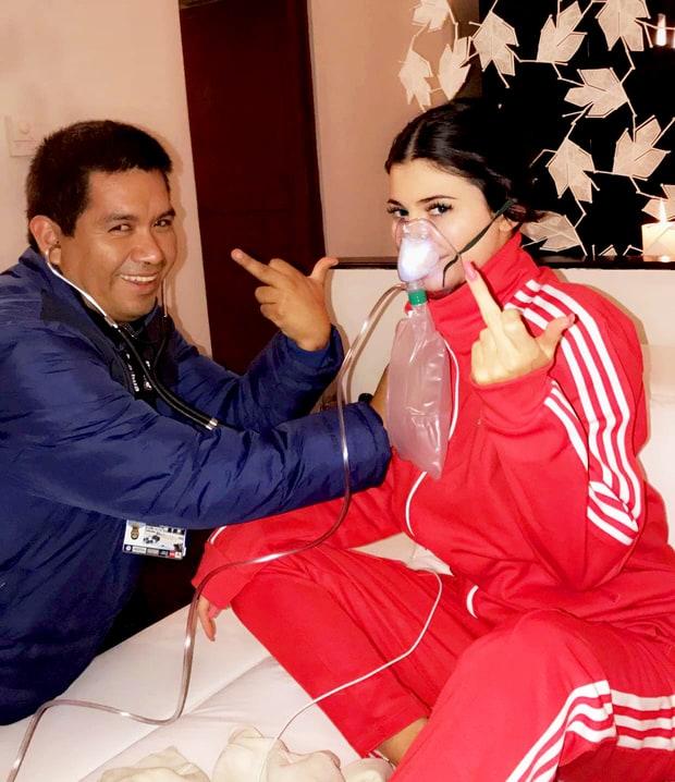 Kylie Jenner e médico