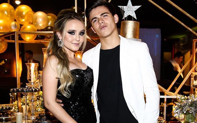 Larissa Manoela e Thomaz Costa