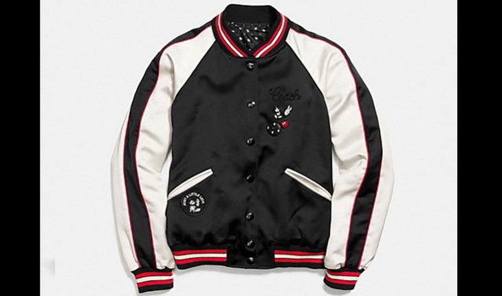 Jaqueta branca, preta e vermelha com desenho do mickey mouse